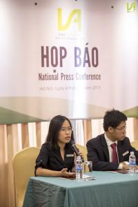 Đồng Chủ tịch Phạm Anh Thư và Nghiêm Hoàng Linh giới thiệu về tổng quan tổ chức năm 2015.