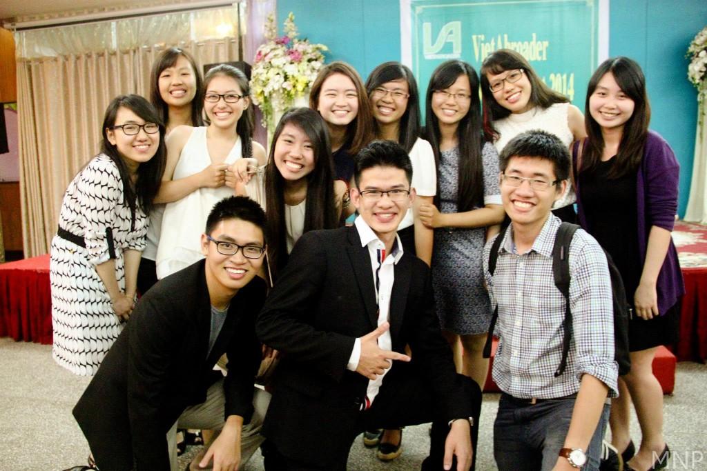 Thành viên Ban Tổ Chức Hội thảo Nghề nghiệp 2014 tại TP.HCM chụp ảnh lưu niệm.