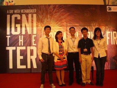 Các khách mời trong buổi chia sẻ kinh nghiệm
